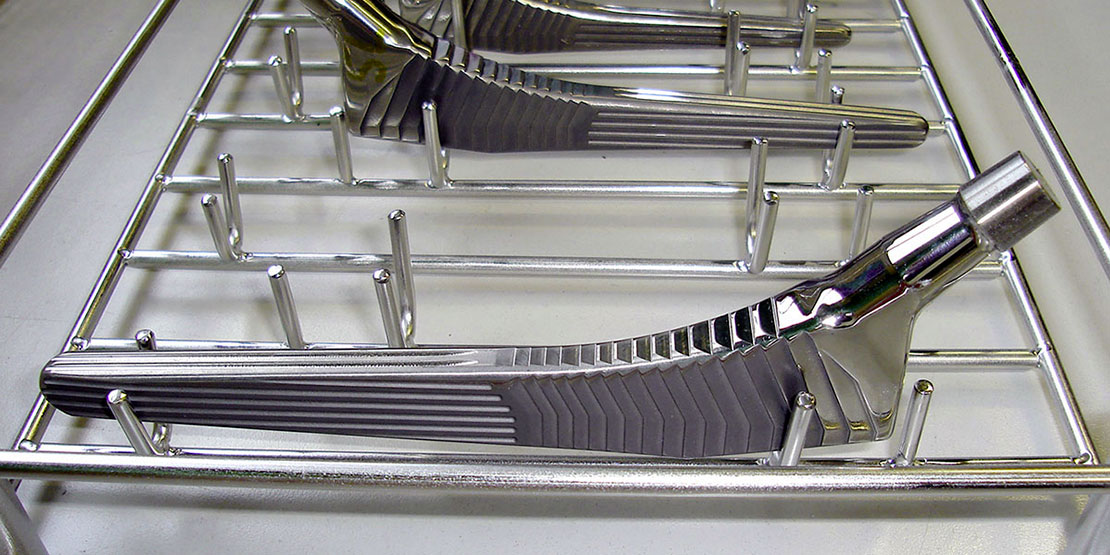 Prótesis de cadera: Vástago femoral de titanio
