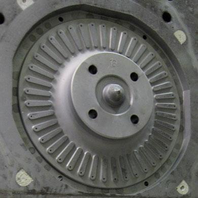 Foundry caja de machos cavidad para embrague discos fabricacion AFTER limpieza
