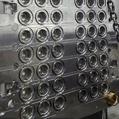 Kunststoff–Verschlussformen nach der FISA Reinigung